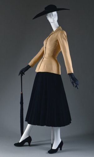 Bar suit and jacket, spring/summer 1947  © The Metropolitan Museum of Art