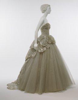Venus dress, 1949 © The Metropolitan Museum of Art