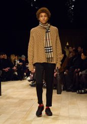 Knitting trend. Burberry