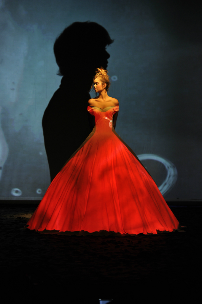 The new wave of couture fw 2012 haute hot couture news for Haute couture seamstress