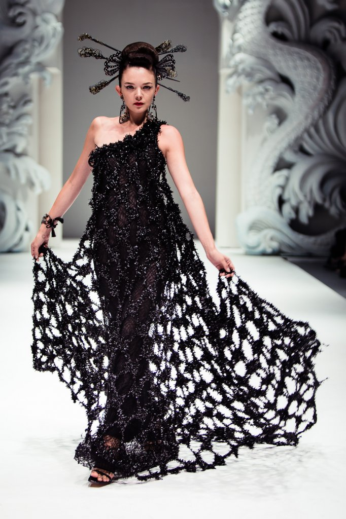 Asian couture fw day 2 haute hot couture news for Hot couture fashion