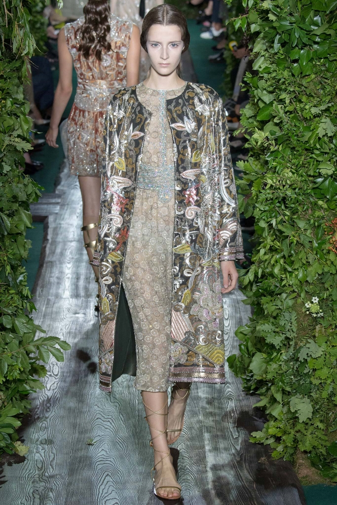 42c54b93906b Valentino Haute Couture Fall-Winter 2014 2015
