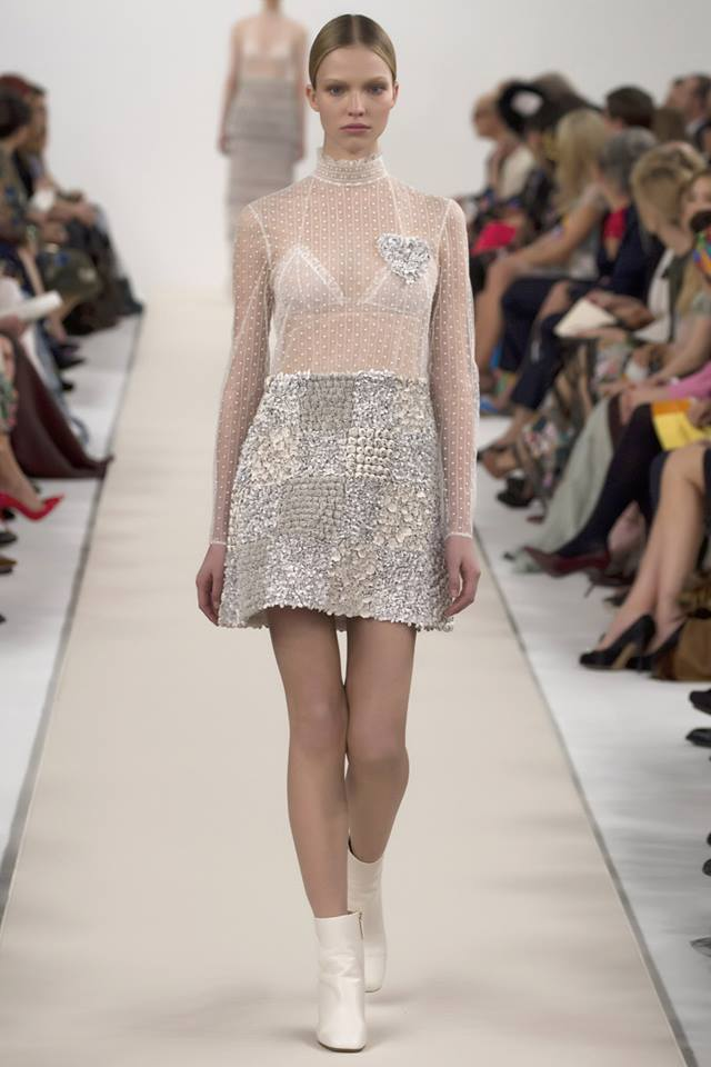 Valentino bianca new york haute hot couture news for Modern haute couture