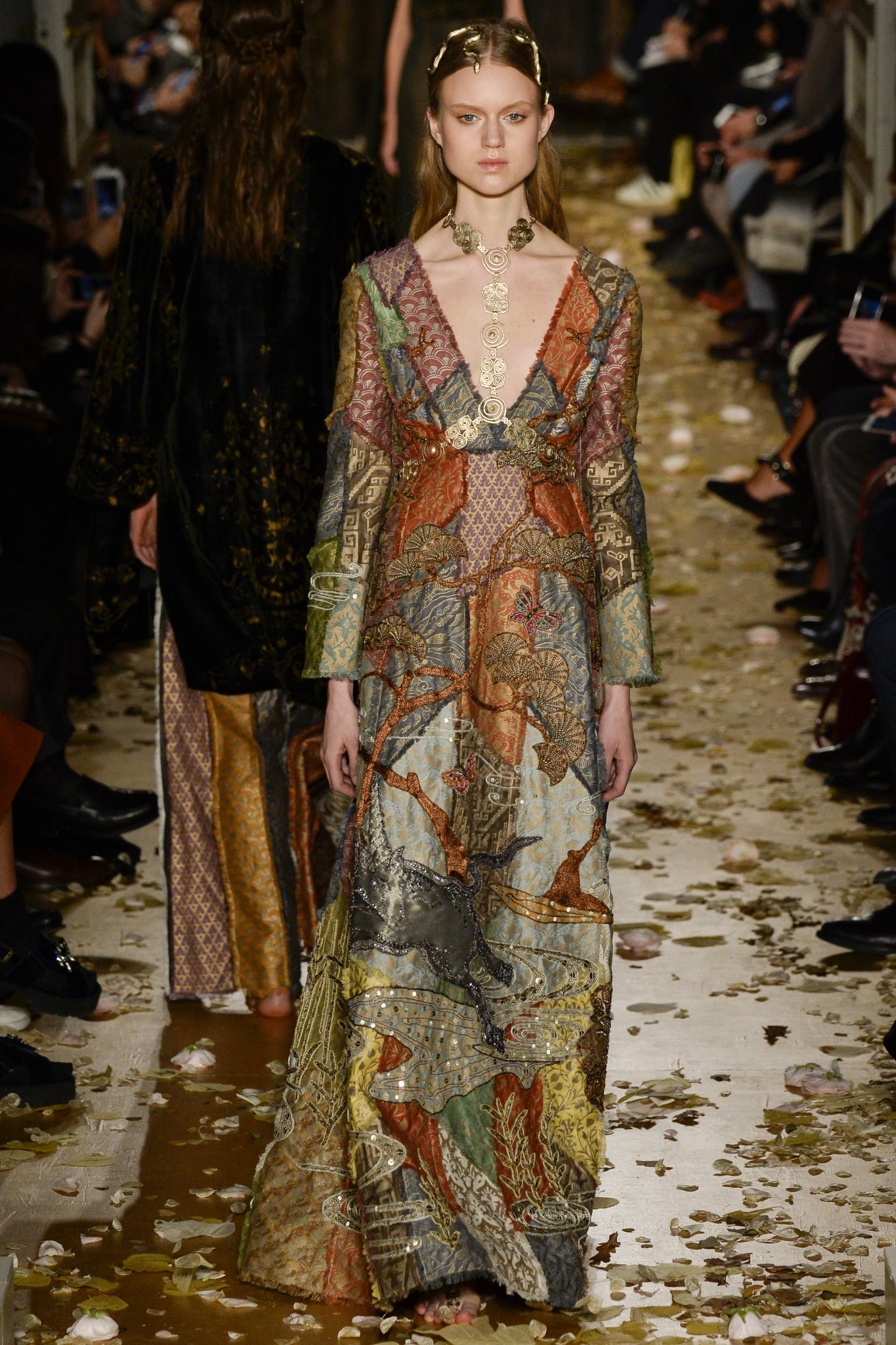 Valentino ss2016 haute hot couture news for The history of haute couture